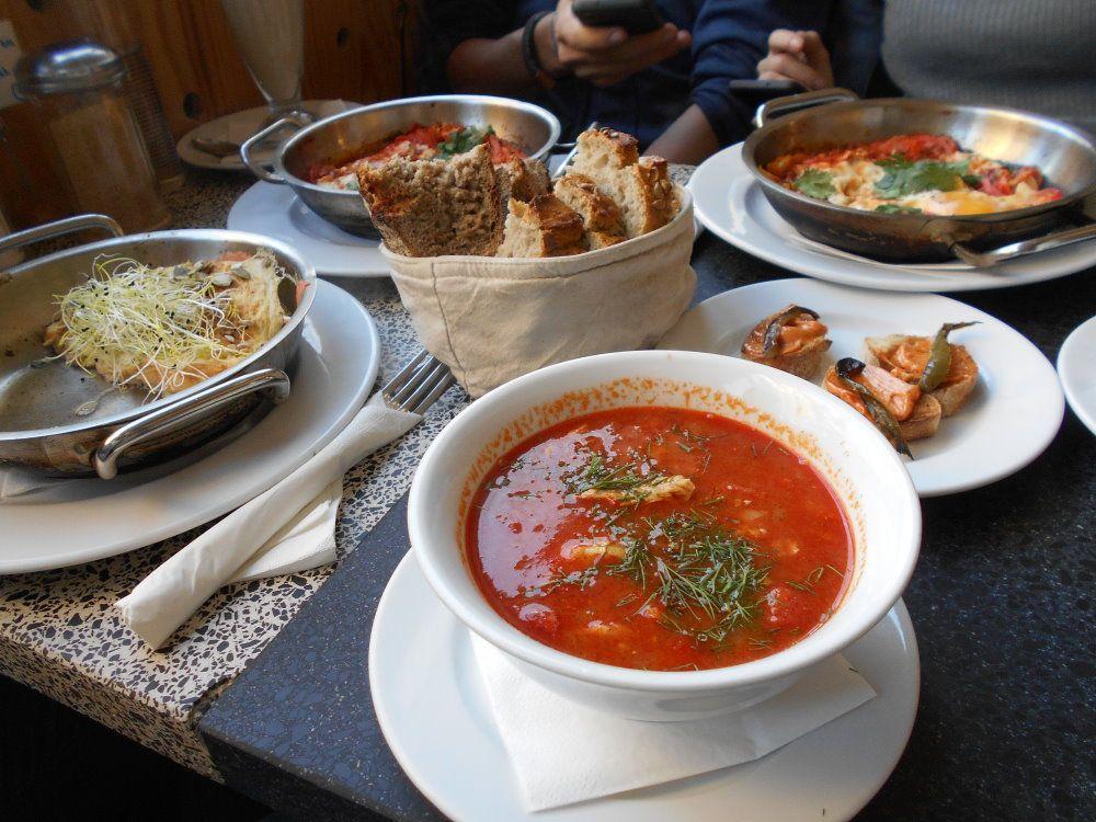 sam table spread